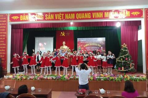 THCS MINH LẠC: MERRY CHRISTMAS and HAPPY NEW YEAR 2020.